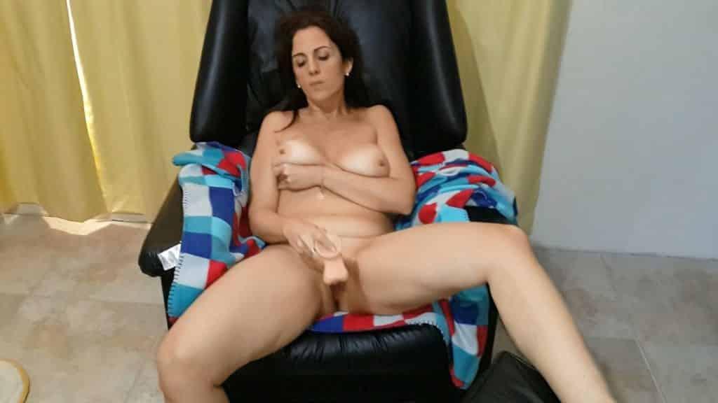 Fotos porno de madura masturbándose